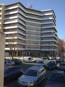 A unidade que eu trabalho na rua Alves Redol, Alameda, Lisboa. Escritórios com varanda ;)