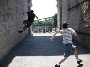 Pulo estigado no Coliseu e eu correndo para a glória