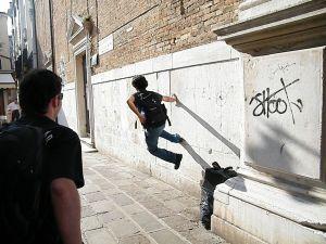 Técnicas avançadas de Le Parkour em Veneza